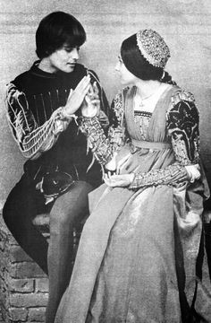 a comparison of the versions of romeo and juliet by william shakespeare and zeffirelli By william shakespeare s romeo and juliet essay  romeo and juliet compare and contrast essay introduction  as romeo and juliet, comparison antigone,.