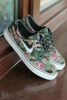 Nike Floreada