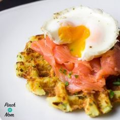 I used to hate breakfast, it's a meal that I would always skip without fail. I'd hate using my HEA or HEB so early in the day, so we came up with these Syn Free Onion and Chive Potato Waffles. You can enjoy these, and our other Potato Waffles, without usi Slimming World Waffles, Slimming World Breakfast, Potato Waffles, Savory Waffles, Slimming Eats, Slimming World Recipes, Perfect Breakfast, Breakfast Time, Breakfast Ideas