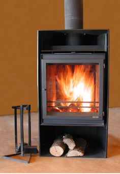 What is a Freestanding Woodstove? (And How You Vent It)