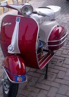 Vespa Ape, Piaggio Vespa, Lambretta Scooter, Vespa Scooters, Mod Scooter, Scooter Motorcycle, Scooter Girl, Triumph Motorcycles, Vintage Motorcycles