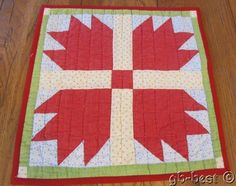 """Turkey Red! c 1890s Bears Paw Antique TABLE Doll QUILT 15 x 15.5"""""""