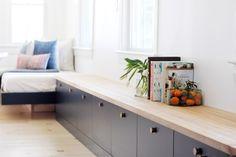 Home Decor Cozy DIY best bench // best ikea hacks.Home Decor Cozy DIY best bench // best ikea hacks Ikea Built In, Built In Bench, Tv Bench, Ikea Hacks, Diy Hacks, Banco Ikea, Ikea Hack Bench, Ikea Sideboard Hack, Besta Hack