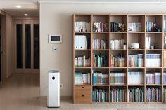 집꾸미기 Bookshelves, Bookcase, Japanese Homes, Bekvam, Muji, Decorating, Architecture, Interior, Table