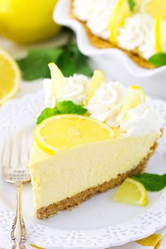 This Lemon Mascarpone Cream Pie is full of lovely lemon flavor! It's light and perfect for summer! Plus, I love the addition of the smooth and creamy mascarpone cheese! (more…) The post Lemon Mascarp Easy Pie Recipes, Cream Pie Recipes, Lemon Recipes, Dessert Aux Fruits, Pie Dessert, Dessert Recipes, Lemon Whipped Cream, Lemon Cream Pies, Lemon Desserts