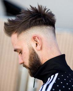33 Trendy Undercut Hairstyles To Compliment Your Beard Best Undercut Hairstyles, Mens Hairstyles 2018, Cool Hairstyles For Men, Haircuts For Men, Hairstyle Ideas, Medium Haircuts, Estilo Nike, 50s Hair Tutorials, Curly Hair Styles