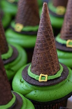 Witch Hat Mint Chocolate Cupcake