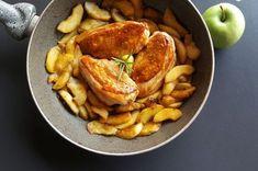 Il pollo alle mele vi consentirà di portare in tavola un secondo piatto davvero unico che stupirà i palati dei vostri commensali.