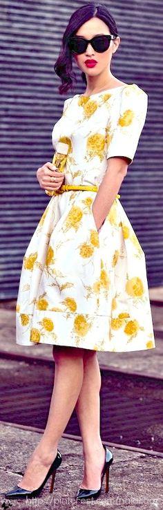 White Dress whith Yellow Dots