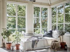 Une maison pleine de plantes et de lumière - PLANETE DECO a homes world