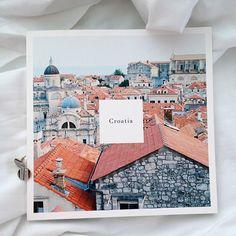 Nu ne putem schimba amintirile, dar putem sa schimbam intelesurile lor si puterea pe care o au asupra noastra. photo-album.zina.ro