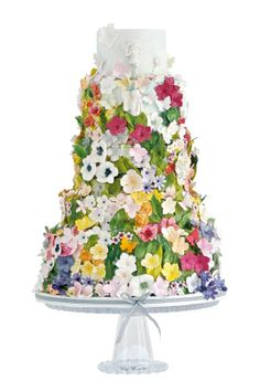 The fondant flowers that decorate this cake.  Work of art. ZsaZsa Bellagio – Like No Other