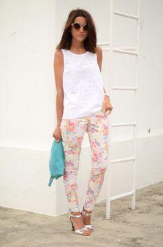 Alexandra. Pantalón de SUITEBLANCO.  (Imagen vía LovelyPepa).