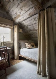 cabin decor A Rustic and Refined Cabin in the Tennessee Woods Blue and White Home Rustic Home Interiors, Rustic Home Design, Decor Interior Design, Rustic Decor, Lake Cabin Interiors, Modern Decor, Diy Design, Design Ideas, Home Bedroom