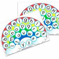 """Voici un petit jeu que je compte proposer en atelier individuel de manipulation pour aider mes élèves à mémoriser les lettres de l'alphabet. Il y a deux supports """"arc en ciel"""" (lettres capitales..."""