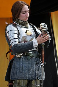 Lady knight: Tewkesbury battle 2010 399 (now with correct attribution) #armor #sword  Bows Woman / Medieval Armor.