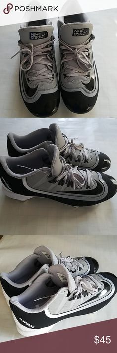 buy popular da9e2 7d88e NEW ✨ Nike Huarache baseball cleats Nike Huarache Baseball cleats Size 12  Grey and black with