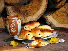 Szilvaízes kelt kifli Bagel, Bread, Food, Brot, Essen, Baking, Meals, Breads, Buns