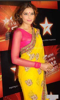 cool Hot Bollywood Actress Bipasha Basu in Yello Saree