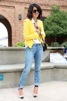 light boyfriend jeans and pop of yellow