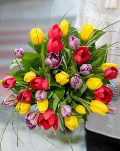#tulip #colorful #lalele Tulips, Floral Wreath, Wreaths, Plants, Colorful, Decor, Floral Crown, Decoration, Door Wreaths