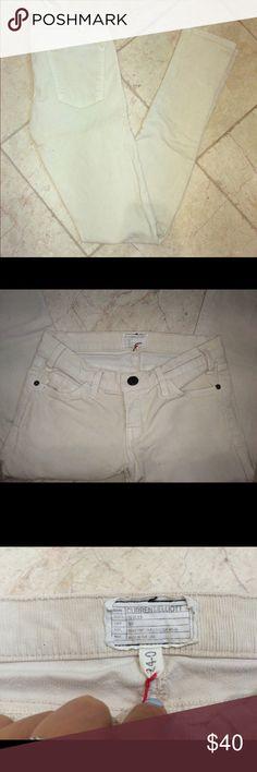 Ivory colored Current/Elliot Pants EUC! Size 24 current/Elliot pants. Make me offers! Cheaper on Ⓜ️ercari 😊 Current/Elliott Pants Straight Leg