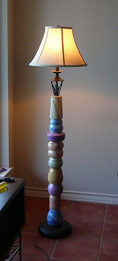 Lamp made out of pottery.