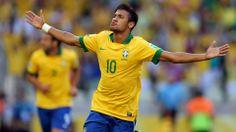 Neymar da Silva Santos Júnior, mais conhecido por Neymar ou Neymar Júnior é um futebolista brasileiro que atua como atacante, atualmente joga pelo FC Barcelona. Wikipédia Nascimento: 5 de fevereiro de 1992 (22 anos), Mogi das Cruzes, São Paulo Salário: 8,8 milhões EUR (2014) Times atuais: Futbol Club Barcelona (#11 / Atacante), Seleção Brasileira de Futebol (#10 / Atacante) neymar-1.jpg (1920×1080)