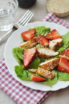 Epres csirkesaláta recept. Caprese Salad, Cobb Salad, Pavlova, Avocado Toast, Breakfast, Food, Morning Coffee, Essen, Meals