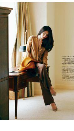 井川遥 Asian Woman, Asian Girl, Black Hair Pale Skin, Corporate Outfits, Cute Faces, Traditional Dresses, Daily Fashion, Asian Beauty, How To Look Better