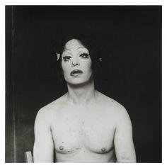 lo que ve la cámara: Bellas... serias... orgullosas... Humberto Rivas