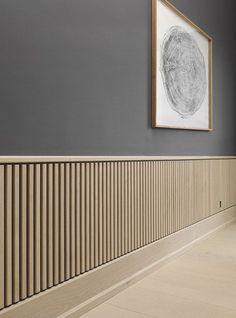 Natural Unstained Wood Slats Wainscoting Ideas Spruce up your home's walls with the top 60 best wainscoting ideas. Explore unique millwork wall coverings and paneling interior designs. Rustic Wainscoting, Painted Wainscoting, Dining Room Wainscoting, Wainscoting Styles, Wainscoting Panels, Wainscoting Nursery, Wainscoting Height, Interior Walls, Interior Design