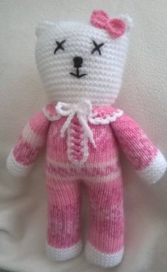 Hand Knitted Teddy by DreamDollies on Etsy Loom Knitting, Knitting Patterns Free, Free Knitting, Baby Knitting, Knitted Baby, Peacock Crochet, Knit Or Crochet, Beginner Knitting Projects, Knitting For Beginners