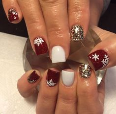 Best Christmas Nails for 2017 - 64 Trending Christmas Nail Designs - Best Nail Art Holiday Acrylic Nails, Xmas Nails, Holiday Nails, Red Christmas Nails, Xmas Nail Art, Valentine Nails, Christmas Nail Art Designs, Winter Nail Designs, Christmas Ideas