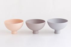 Selected works by Mushimegane Books - Mushimegane Books is a series of ceramics and porcelain vessels on the theme of people and sounds. The project was launched in 2010 by Misa Kumabuchi. Ceramic Tableware, Ceramic Clay, Porcelain Ceramics, China Porcelain, Ceramic Bowls, Ceramic Pottery, Kitchenware, Wit And Delight, Ceramic Design