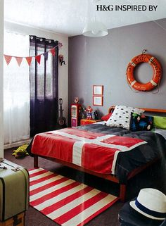 feature wall , navy and red