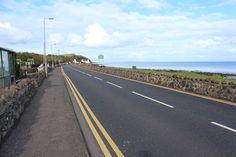 A2 Antrim Coast Road at Drains Bay, County Antrim, Northern Ireland, October 2012 自然材質護欄
