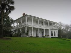 Old Southern Mansion Apalachicola Florida Southern Mansions, Southern Plantations, Southern Homes, Southern Charm, Beautiful Buildings, Beautiful Homes, Apalachicola Florida, Old Abandoned Buildings, Antebellum Homes