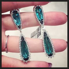 """I saw the dreamiest #tourmalines at @vianna_brasil #VICENZAORO"""