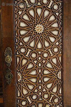 Lesser Seen Options for Custom Wood Interior Doors Entrance Doors, Doorway, Doors Galore, Islamic Patterns, Islamic Designs, Arabic Design, Cool Doors, Knobs And Knockers, Antique Doors