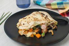Lasaña de verduras: con las mejores verduras de otoño elaboramos un ligero y aromático guiso al que añadimos nuestra crema de zanahoria casera. Montamos capa a capa una lasaña y la cubrimos con bechamel y parmesano.