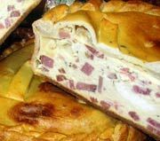 Naples Easter Pie-can also add pepperoni Italian Easter Bread, Italian Dishes, Italian Recipes, Italian Foods, Italian Desserts, Easter Recipes, Holiday Recipes, Easter Ham Pie Recipe, Pizzagaina Recipe