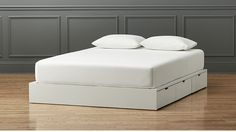 (Out of Stock)!stowaway white queen bed $800