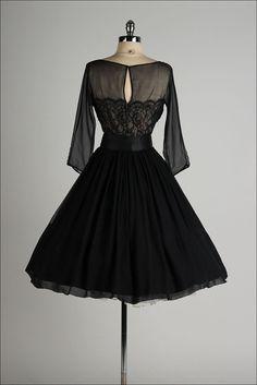 vintage 1950s dress . black chiffon . lace por millstreetvintage