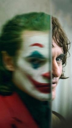 Watch Streaming Joker : Summary Movies During The A Failed Stand-up Comedian Is Driven Insane And Turns To A Life Of Crime And Chaos In. Art Du Joker, Le Joker Batman, Joker And Harley Quinn, Joaquin Phoenix, Comedy Movie Quotes, Funny Comedy Movies, Joker Full Movie, Joker Film, Movie Poster Room