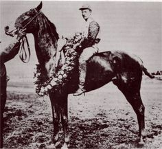 1907 Kentucky Derby winners Pink Star and Andy Minder.