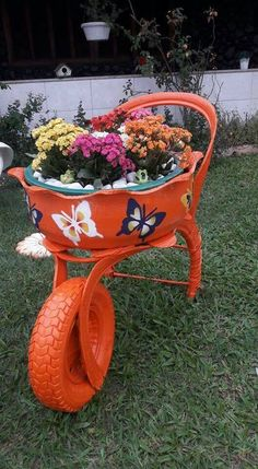 Com tire planters, garden planters, flower planters, tire garden, gar Tire Garden, Garden Cart, Garden Deco, Tire Planters, Flower Planters, Flowers Garden, Recycling Containers, Container Gardening, Hydroponic Gardening