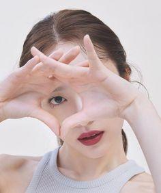 hanisource - Posts tagged p:photoshoot Hani, Sulli, Beauty Shoot, Blackpink Jennie, Cute Boys, Kpop Girls, Photography Poses, Idol, Photoshoot