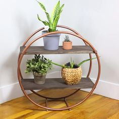 Check out our guide on how to build a hula hoop shelf. Easy on the eye and on DIY budgets, a hula hoop shelf is a storage option you should definitely consider. Diy Crafts For Home Decor, Diy Decorations For Home, Home Decor Ideas, Wall Decor Crafts, Diy Projects For Bedroom, Handmade Home Decor, Creation Deco, Diy Décoration, Diy On A Budget