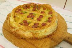Retete Culinare - Tarta cu spanac si carnaciori